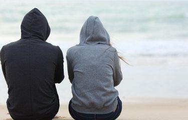 Online dating είναι μια κακή βάση για μια σχέση